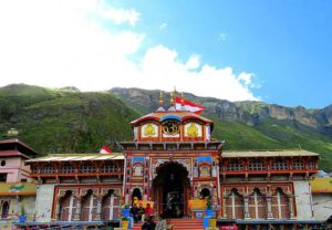 badrinath temple and mountains in the background