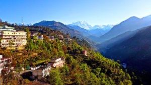 skyview of guptkashi and its surrounding mountains