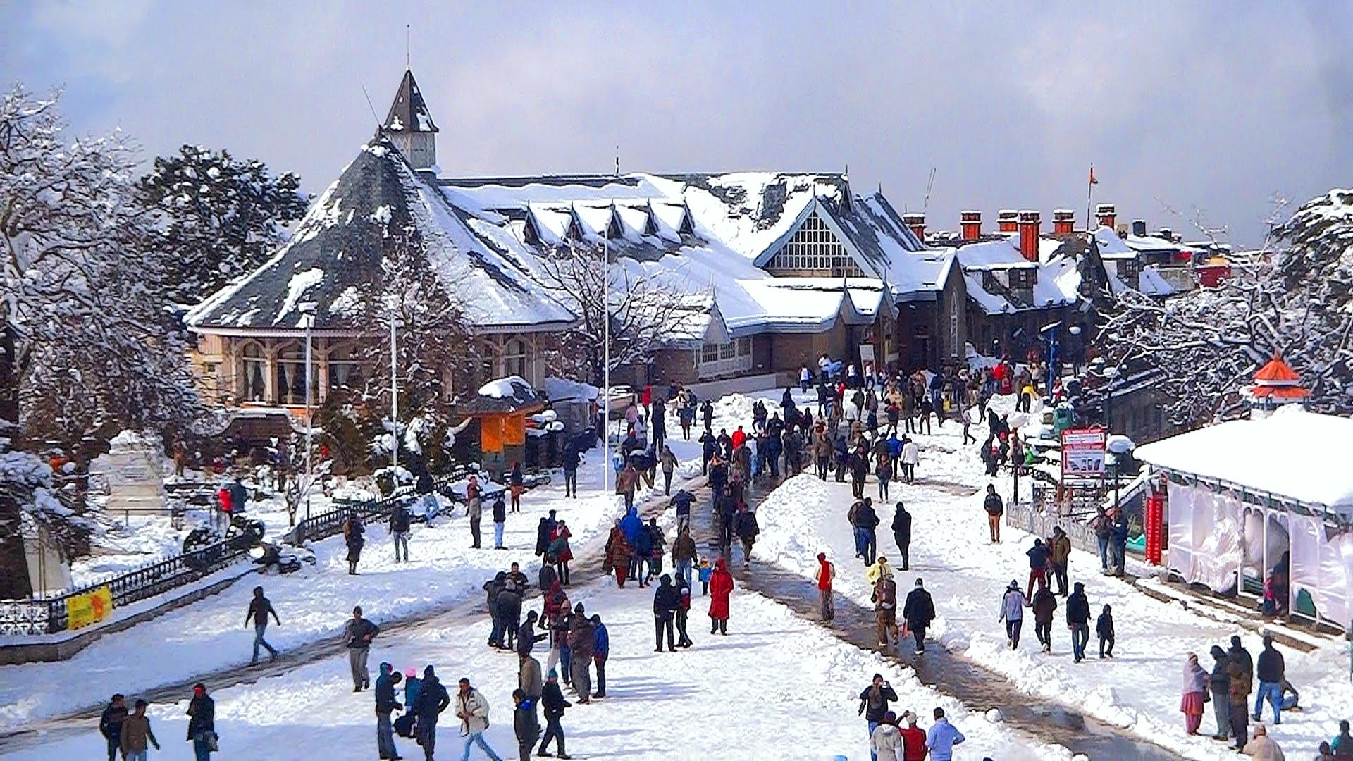 street busy with people in shimla